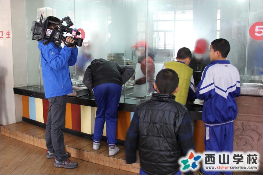 东南网新闻中心走进西山校园