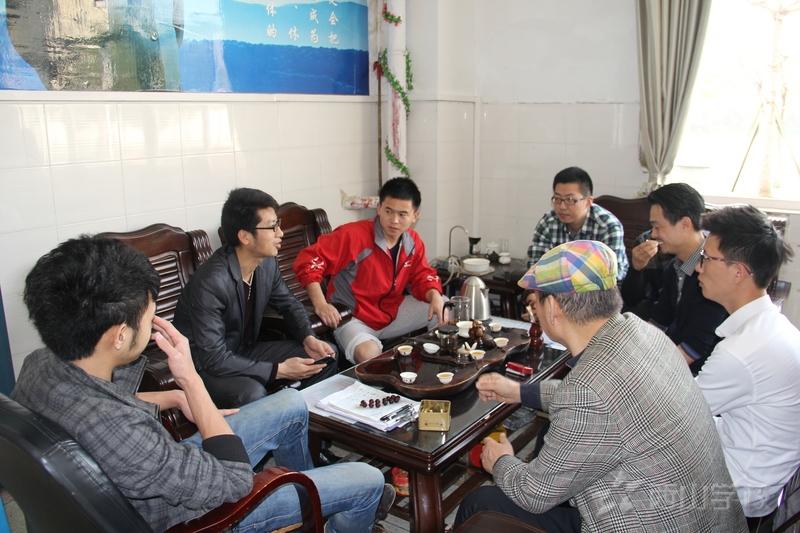 西山校友陈理明重返母校 拍微电影讲述创业历程