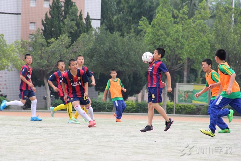 我校与江西省西山学校举行初中足球友谊赛