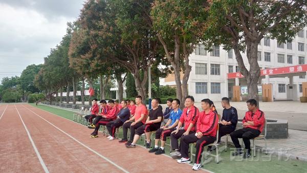 【公开课】西山学校高中部韩宏伟老师开设足球示范课