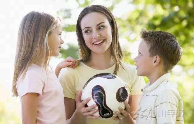 孩子进入青春期后,这10个问题你一定要和孩子说!很重要!