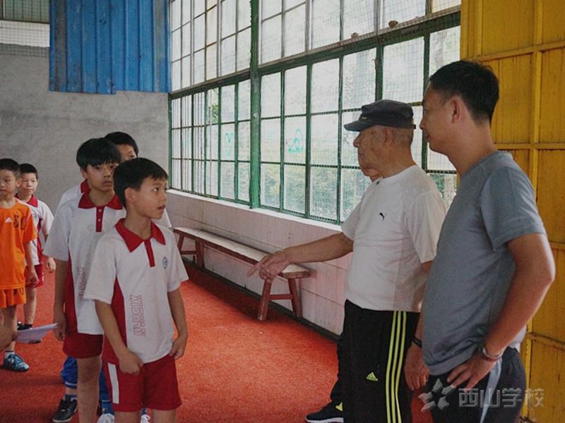足球少年 绿茵追梦--江西省西山学校小学部开展足球梯队选拔工作