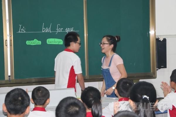 教科研活动让课堂充满活力