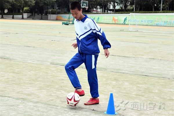 冠军教练带你体验西山快乐足球公开课 畅玩不限时