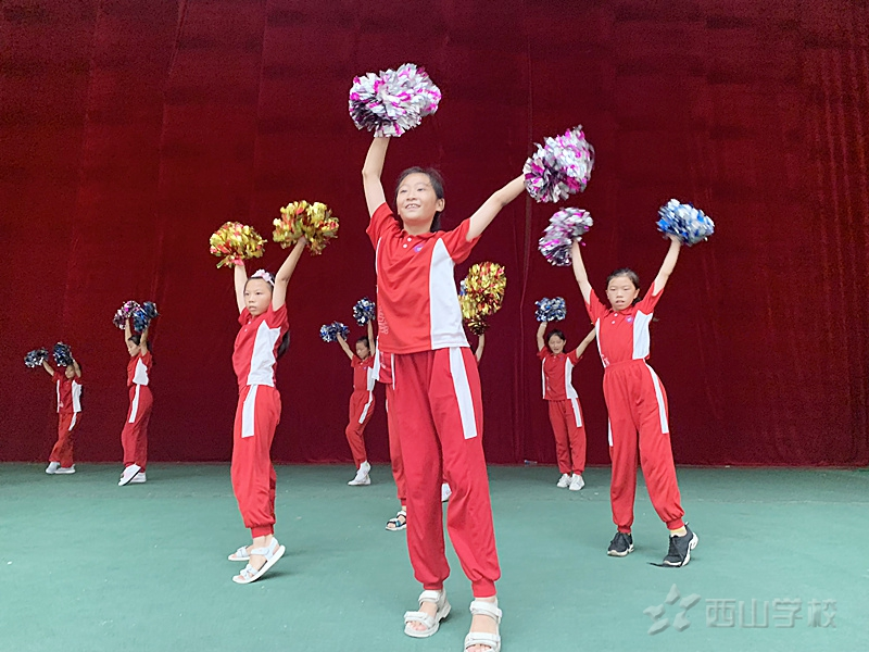江西省西山学校小学部举行文艺汇演第一次彩排