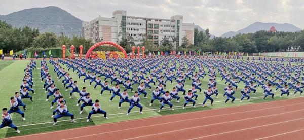 燃燃燃!西山学校第15届运动会万人聚焦,震撼开幕!
